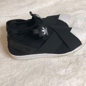 adidas criss cross slip on